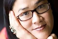 Kylie Kwong is a third Chinese-Australian who is a chef, restaurateur, television presenter. She enjoy cooking in her life. Her cooking style has evolved from living in Aus. She learnt the way of Catonese cooking at her mom's side and from others Aus famous chefs.