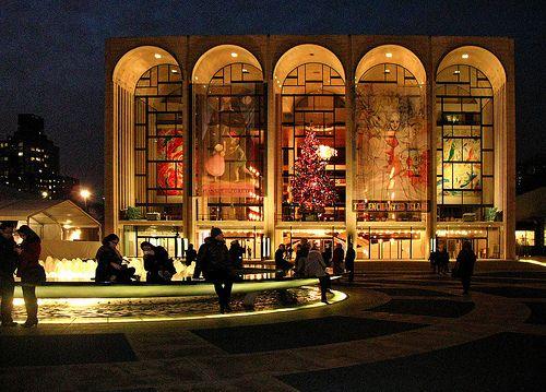 Lincoln Center http://newyorkattractionsguide.com/lincoln-center/ sokole oko (c) at flickr