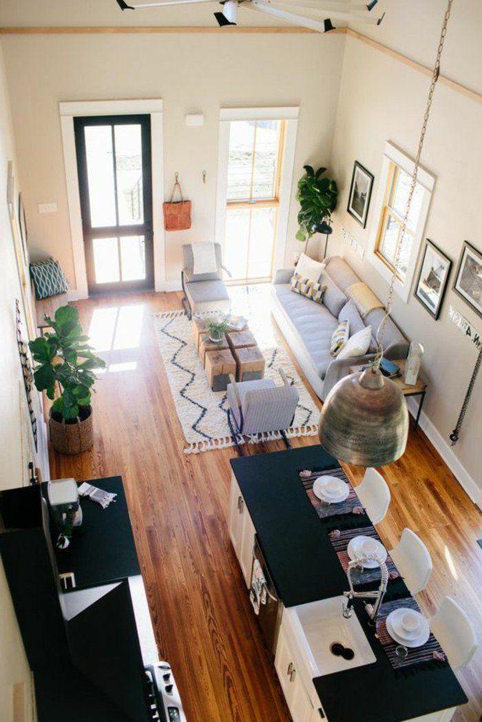 aménager une chambre en longueur, salon et cuisine en longueur, meubles d intérieur chic, tapis beige et noir