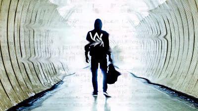 Alan Walker - Faded ( Tiësto's #Deep #House #Remix ) http://www.365dayswithmusic.com/2016/05/alan-walker-faded-tiesto-deep-house-remix.html?spref=tw #AlanWalker #Faded #Tiesto #music #edm #dance #nowplaying #musicnews #np