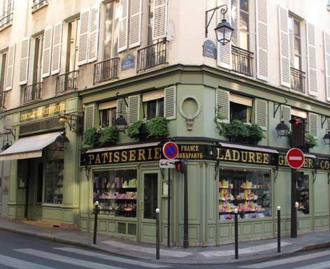 My prefered Ladurée's place. Rue Bonaparte, it was Madeleine Castaing's antique and decoration store.  Paris... gorgeous building