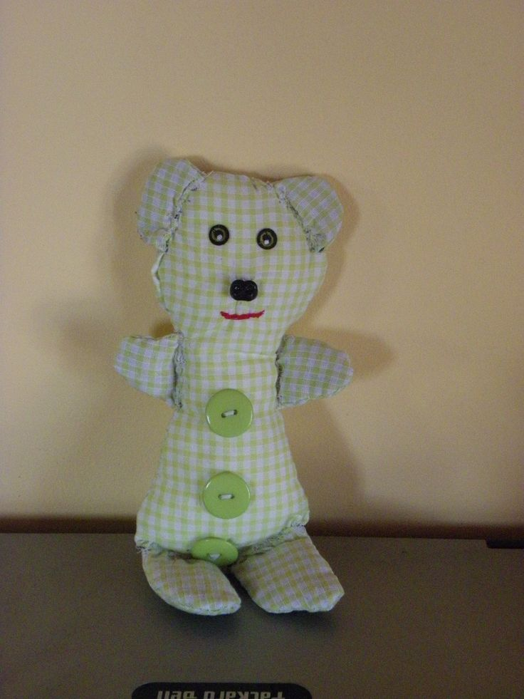 Ourson en tissu aux motifs carreaux vert et blanc : Chambre d'enfant, de bébé par les-decos-de-lori