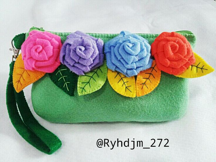 felt Lovely clutch See my instagram @ryhdjm_272