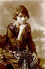 Marian Anderson In 1939, the DAR refused to let Anderson sing in DC's Constitution Hall because she was black. First Lady Eleanor Roosevelt resigned from the DAR, and her husband's administration arranged an outdoor concert at the Lincoln Memorial for a crowd of 75,000 and millions of radio listeners. Anderson was the first African American to sing with the Metropolitan Opera, and in 1958 became a delegate to the United Nations.
