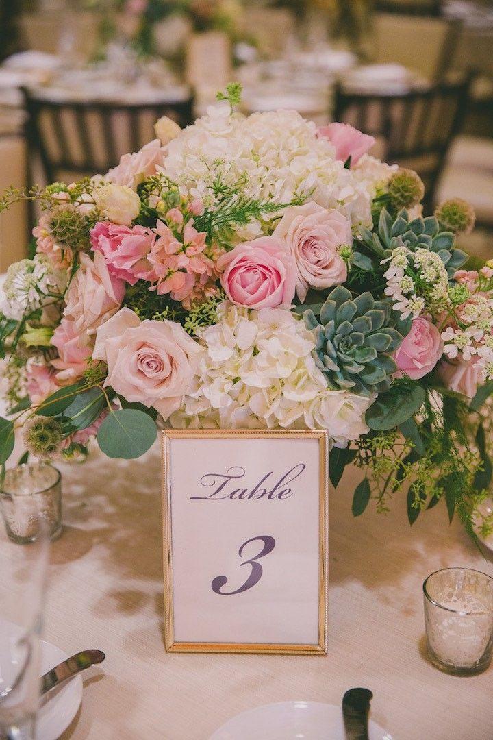 chic pretty wedding centerpiece idea; photo: Dave Richards Photography