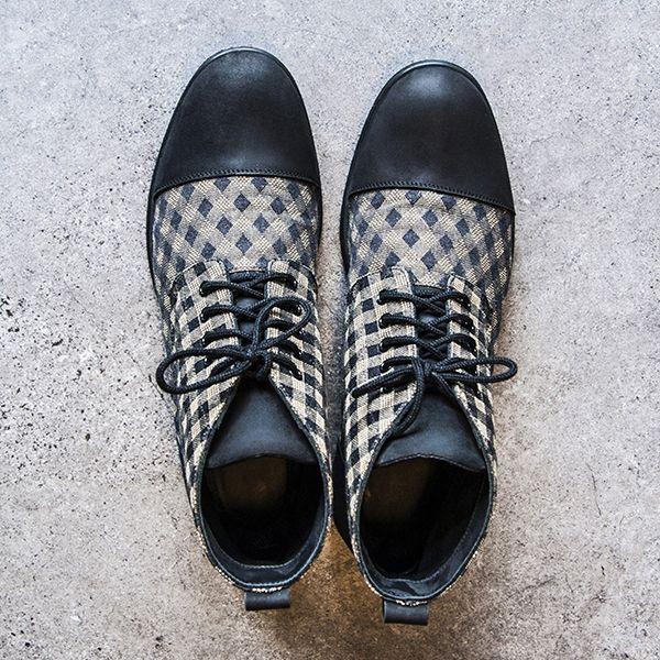 MANISTA KOCHAN KARO Wygodne buty męskie wykonane ze skóry i tkaniny. Wyprodukowane ręcznie, w Polsce, w tradycyjny sposób w zakładzie produkcyjnym na Podhalu.