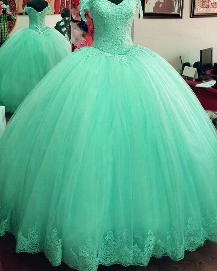 Elegeant lace appliques tulle ball gowns quinceanera dresses 2017