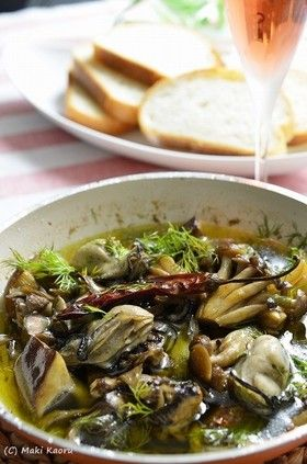 やみつき!3種のきのこと牡蛎のアヒージョ by 槙かおる [クックパッド] 簡単おいしいみんなのレシピが259万品