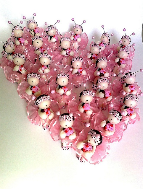 Joaninhas Glamour segurando cupcake p/ Mirene *Ü* by Sonho Doce Biscuit *Vania.Luzz*, via Flickr