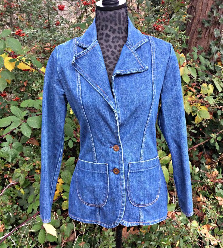 1970s Ladies Wrangler Denim Jacket / Vintage Women's Jean Jacket / Womens Western Jean Coat / Ladies Wrangler Denim Jacket / Denim Jacket