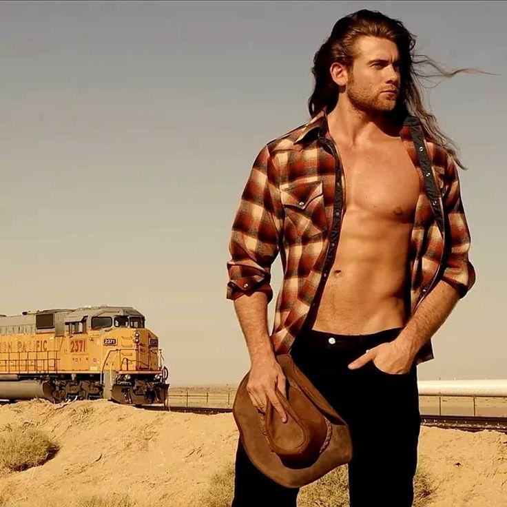 rePin image: Chris Hemsworth Body Thor on Pinterest