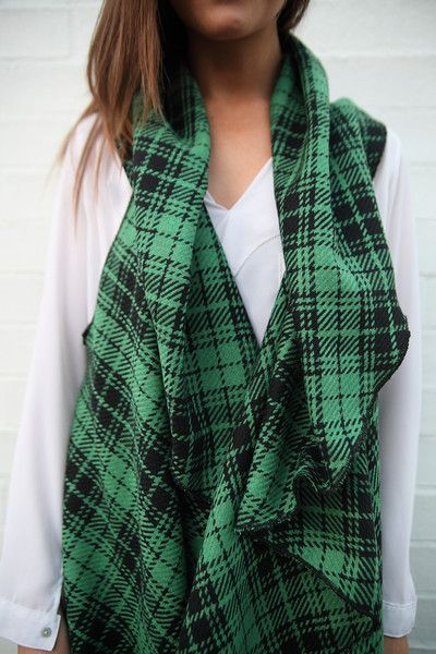 TARTAN VERDE  fabulous capes from ARI PALOMA  #capes #wintercapes #sleevelesscapes #coverup #flowy #fashion