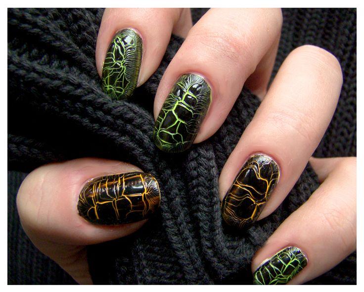 Crackle Manicure