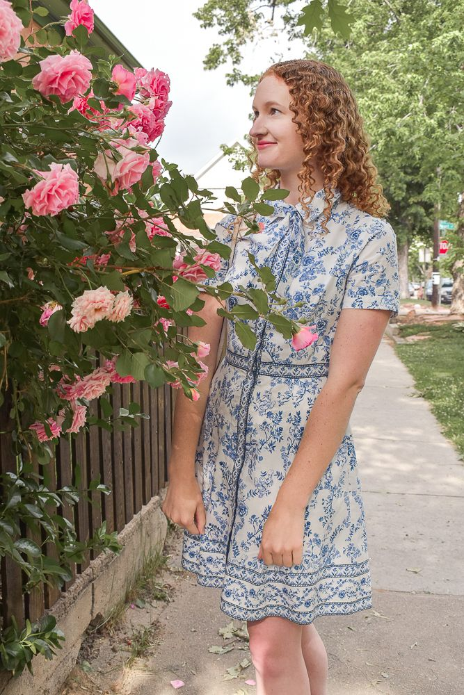 Chinoiserie dress makes me feel like a dainty English teacup. The perfect  day dress to wear on a warm summer day filled with exploring. 5389757d1