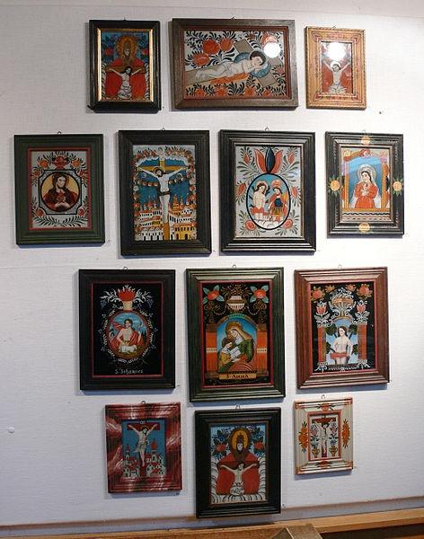 File:Oberammergau Museum Hinterglasmalerei Beispiele.jpg