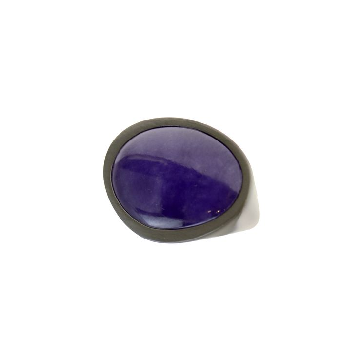 Ring made of sterling silver 925 with violet agate