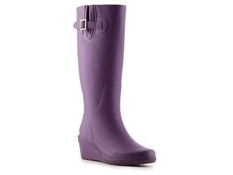 Fun purple rain boots from DSW. Beginning to like purple more and more!