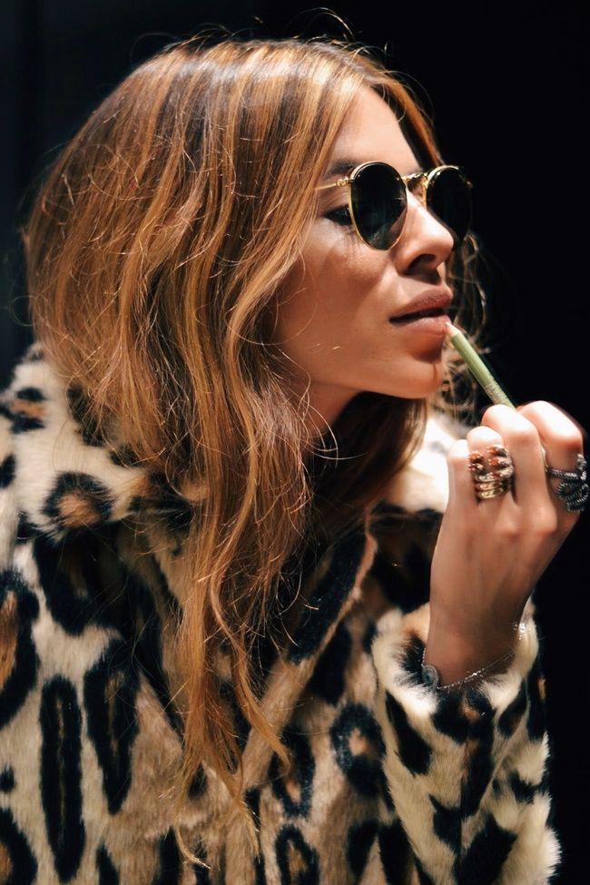 Veste léopard + lunettes aviateur = le bon mix (blog Maja Wyh)