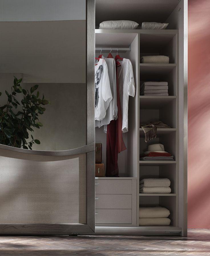 #letto #camera #zonanotte #comfort #funzionale #tradizionale #armadio #specchio #legno #mobile #armadio #fasolin #arredamento #romantic  Camera da letto Fasolin. Modello Trèsor Notte