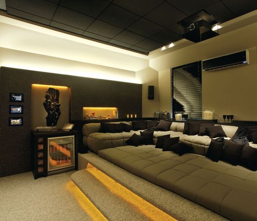 Adrian Stancati and Daniele Guardini -Home Theater | Campinas decor 2009 Unforgetable!!!