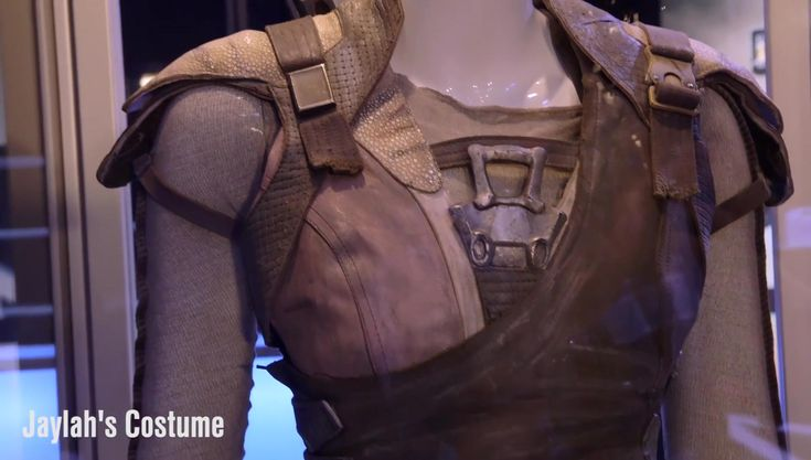 jaylah costume | Adam Savage's TESTED Showcases New STAR TREK BEYOND Costumes ...