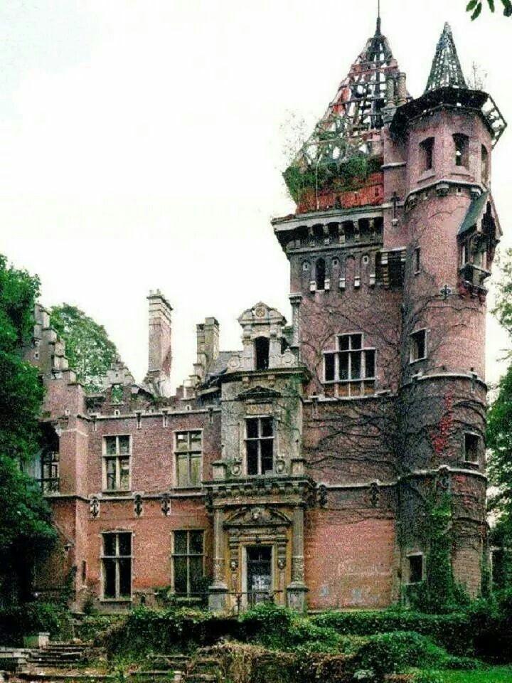 Charlie Albert Castle, Belgium