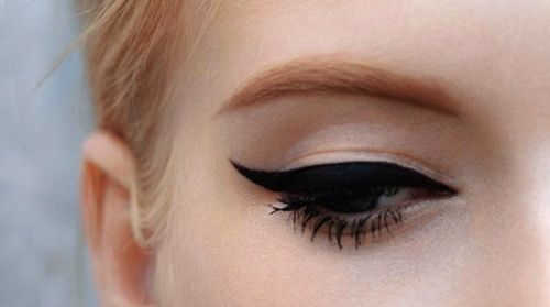 eye makeup- eye liner