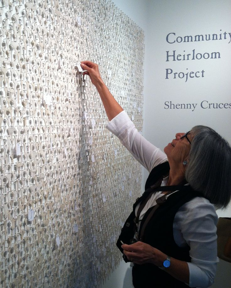 Shenny Cruces, Palo Alto Art Center, Community Heirloom Project, art installation. 2013.