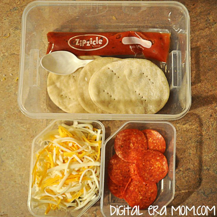 Pizza Lunchables were arguably the coolest Lunchable when I was growing up. Anytime we'd have a field trip and I got to pick out a Lunchable, I always went straight for the pepperoni pizza variety. I mean, what wasn't to love about that crust, and being able to top your own yummy pizza on aRead more