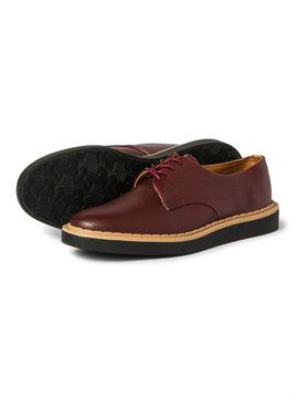 メンズ 24 Hour Sale RAIN MAN レザー調 レースアップレインシューズの商品詳細。日常で履ける本格派レインシューズをコンセプトに掲げた「RAINMAN(レインマン)」。ビジネスシーンやフォーマルシーンなど、さまざまなシチュエーションに対応するシューズが揃います。木形開発から行われ、靴としての作りはもちろん、質感、重量感などあらゆるこだわりのために手間暇かけたシューズは、高級革靴そのままの雰囲気を楽しめるフォルムと履き心地に。雨の日のコーディネートも完璧に仕上げてくれるアイテムです。