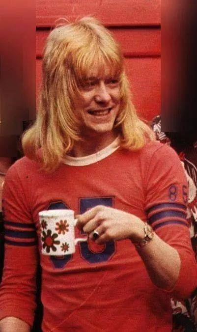 Brian Connolly, late singer for The Sweet. Great voice, oodles of charisma, tough and yet sweet (no pun intended). He stopped drinking in the 1980s & rocked until he was simply too sick to continue - very inspiring, definitely missed.