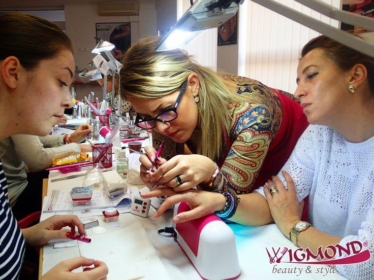 Deschide agenda #Wigmond si programeaza-ti cursurile la care doresti sa participi in 2017 - curs #cosmetica, curs decor #ziuaindragostitilor, curs perfectionare #unghiitehnice.  Cu ce curs incepi tu anul 2017? _________________________________ >>  http://www.wigmond.ro/blog/events  <<