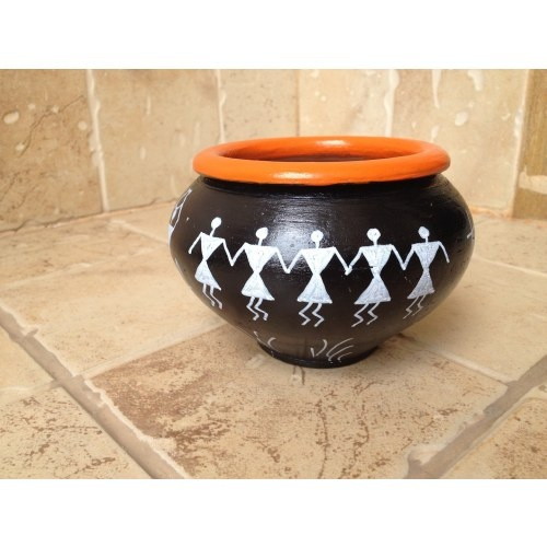This beautiful Black and Orange Terracotta Utility Bowl will brighten your day. Use it to keep chocolates for your guests at home or use it for keeping stationery pins at your office desk... The choice is yours... :)
