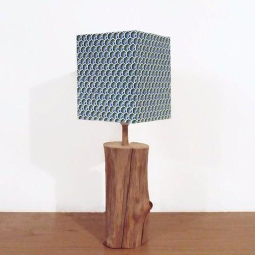 Lampe bois flotté- abat-jour carré plumes de paon - modèle unique - idée cadeau - noël
