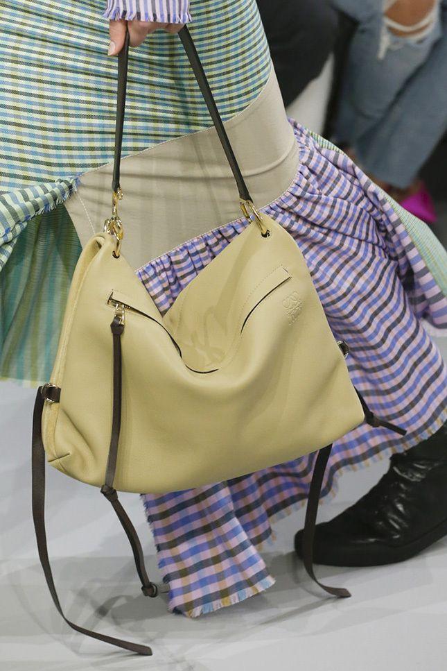 Loewe весна-лето 2018, 179 лучших сумок Недели моды в Париже