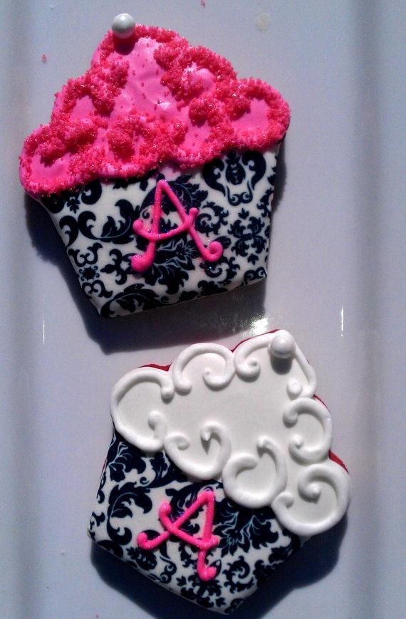 Monogram cupcakes by Janny Dangerous