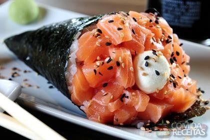 Receita de Temaki de salmão e cebolinha em receitas de peixes, veja essa e outras receitas aqui!