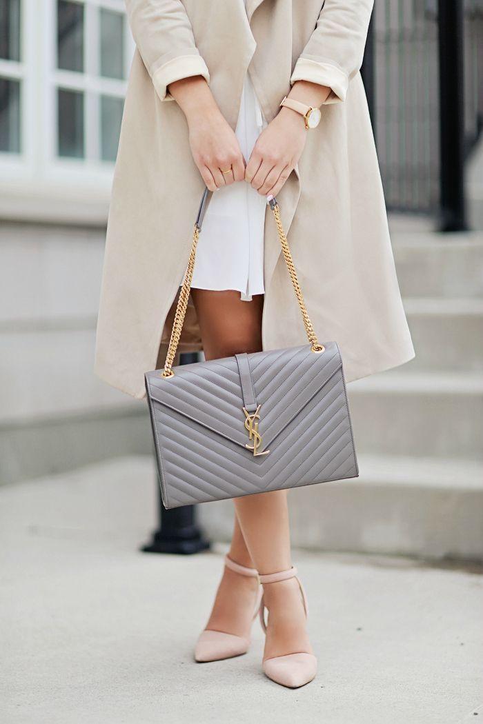 Envelope clutch YSL bag. | @gococollective Diese und weitere Taschen auf www.designertaschen-shops.de entdecken