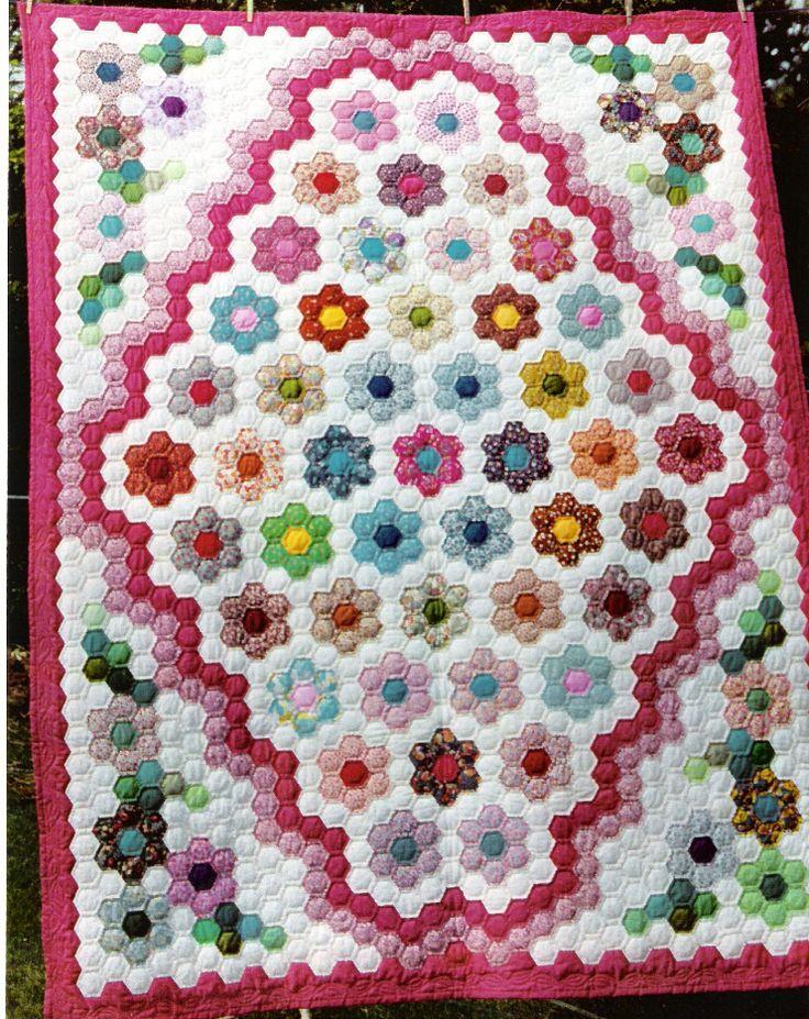 67 best Hexie Quilts images on Pinterest | Hexagons, Hexagon ... : hexagon patterns for quilts - Adamdwight.com