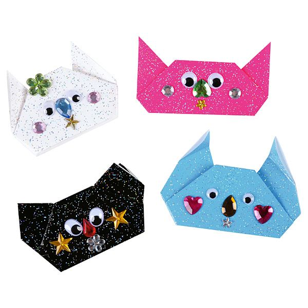 Brokatowe pudełka z papieru DIY  http://www.mojebambino.pl/ozdobne-papiery-tektury-bibuly/290-brokatowy-papier.html