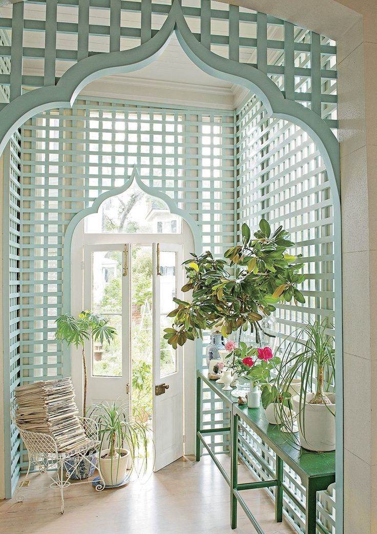 Southern Living Lattice Archway - Vintage Style Trends | The Thrifty Decorator