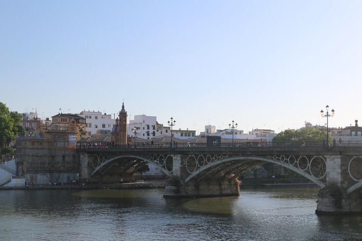 Visitamos Sevilla en Junio 2016. Puedes seguir mis experiencias en mi blog de viajes: https://unachicatrotamundos.wordpress.com/2016/07/31/sevilla-tiene-un-color-especial/
