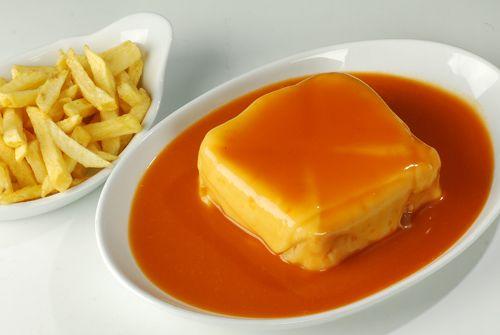 Francesinha, a tipical dish of Porto, delicious! #Food #Porto #Francesinha