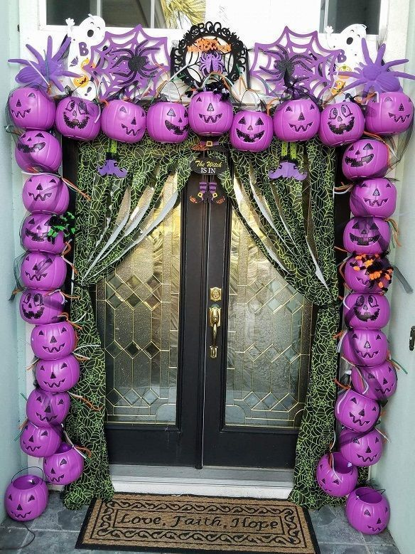 Best DIY Outdoor Halloween Decorations for 2017! Check these Halloween projects for inspiration and make our yard and home decor amazing for a Halloween party! #outdoorhalloweendecorations #halloweenpartydecor