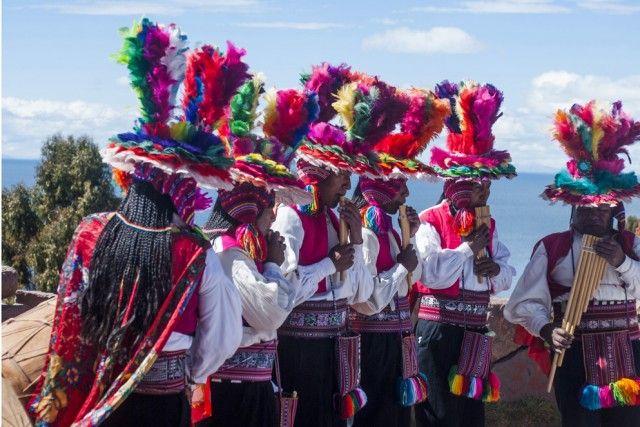 PERÙ– Deserti e steppe, pianure e vulcani, montagne innevate e foreste tropicali: un Paese dai mille volti, che vanta un'economia in crescita e l'arrivo di sempre più turisti. Definito la migliore destinazione gastronomica dell'intero Sudamerica dal World Travel Award.