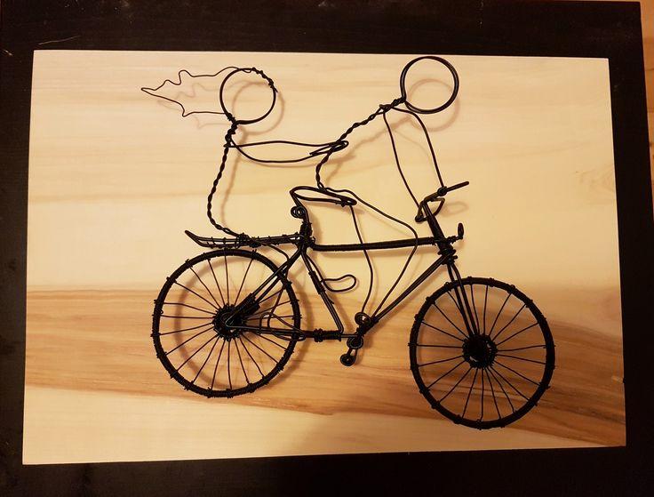 Romantic couple wire bicycle.