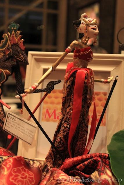 Indonesian dolls - wayang golek - wooden rod puppet