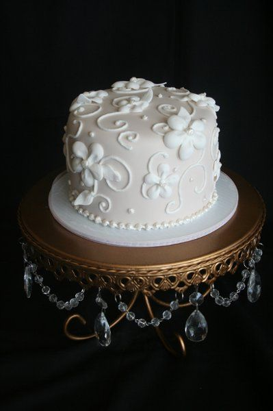 simple round white wedding cakes 25 best ideas about white wedding cakes on 20012