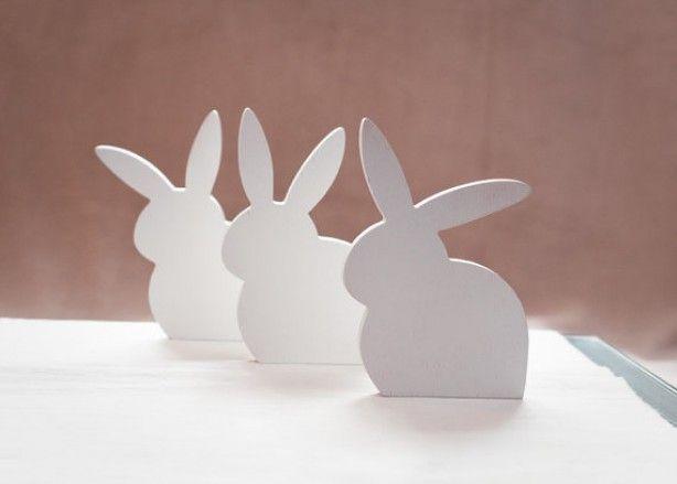 houten konijntjes: decoratie op tafel of vensterbank