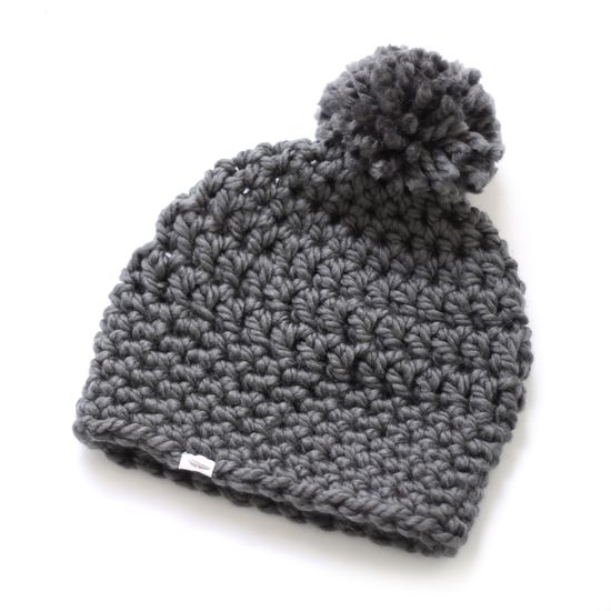 Gehaakte muts PomPom grijs €23,95 Crocheted hat PomPom in grey $30.95